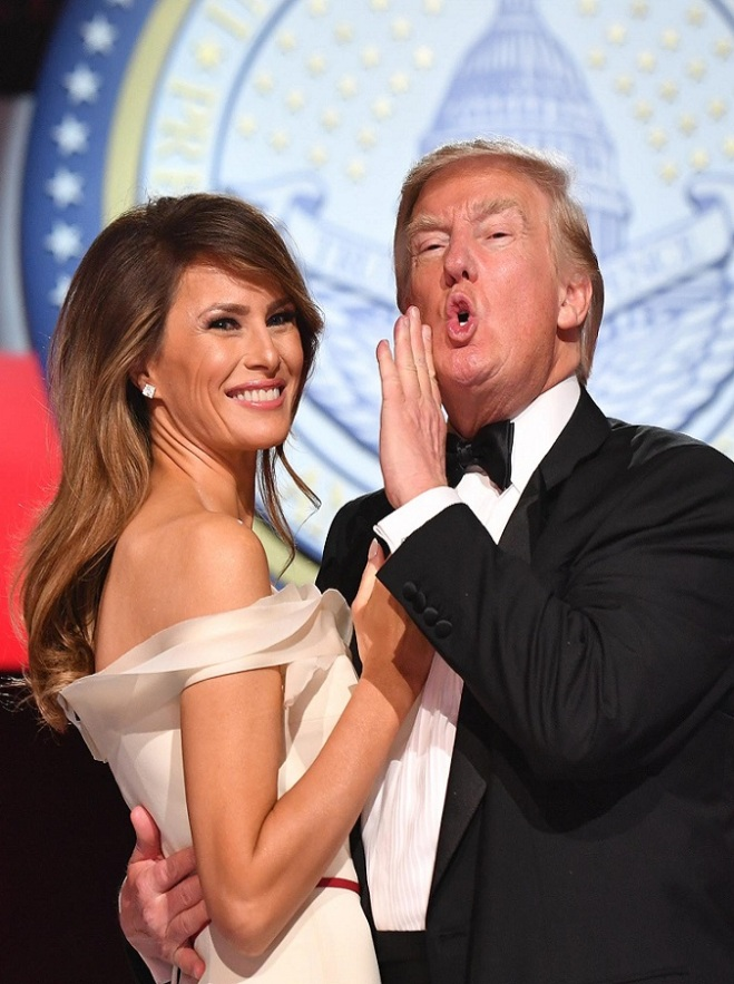 President Donald Trump and First Lady Melania Trump dance at the Freedom Ball on January 20, 2017 in Washington, D.C. Trump will attend a series of balls to cap his Inauguration day. Photo by Kevin Dietsch/UPI / Pool/ABACA579017Presidente Trump, Freedom Ball Ball a Washington LaPresse -- Only Italy