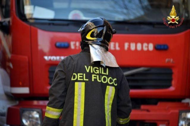 1492694960-vigili-fuoco-2-2-2